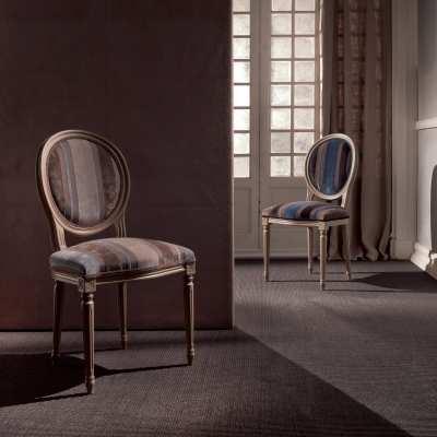 sitting chair Luigina front